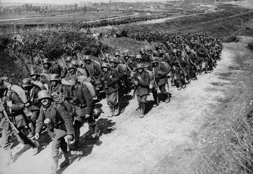 1. Weltkrieg - Marschierende deutsche Truppen